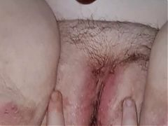 Bbw squirts while using dildo